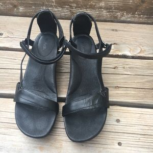 Teva dressy leather sandals